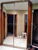 Зеркальный в коридоре