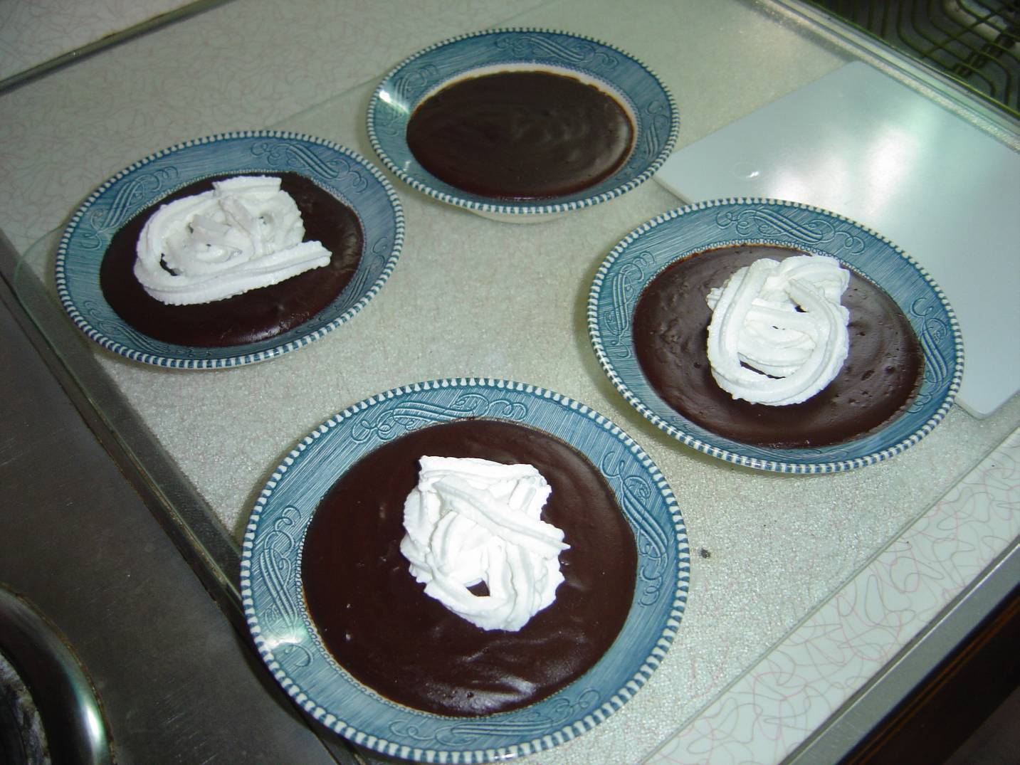 servings-of-chocolate-pudding
