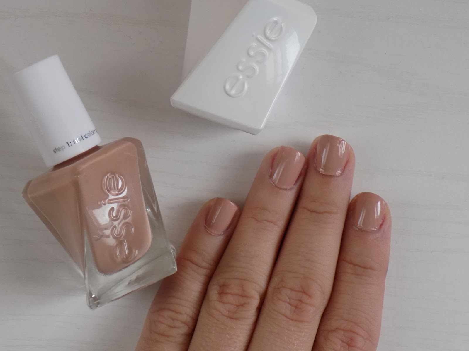 Manicure Monday: Essie Ballet Nudes Gel Couture - Royally Pink