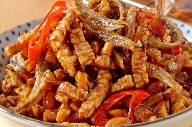 Membuat Tempe Kering Kacang Ikan Teri Yang Nikmat