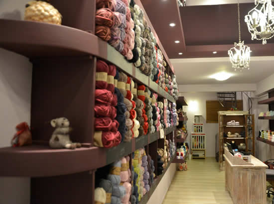 Wool shop in Athens, Afrato Mallou (photo by Afrato Mallou) | Happy in Red
