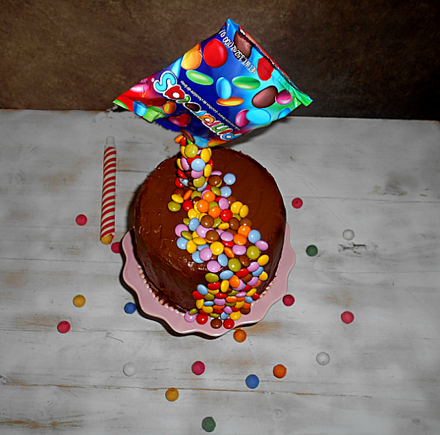 anti gravity cake chocolate frutos vermelhos