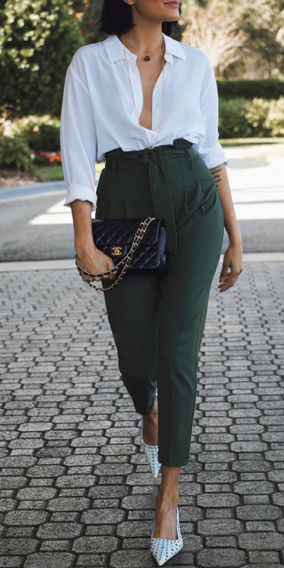 23 Stylish Fall Fashion Ideas for Women Over 30. We've taken the liberty of compiling a list of fall outfit ideas for women over 30. Fall Style via higiggle.com | work outfits for women over 30 | #fashion #trousers #style #workoutfits