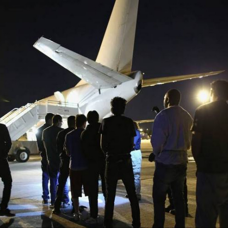 Image result for Έκτακτα μέτρα για την απομάκρυνση των μεταναστών - Η Ιταλία προχώρησε στις πρώτες μαζικές απελάσεις με πτήσεις τσάρτερ