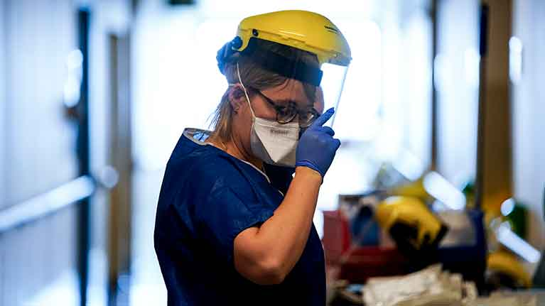 No se puede exigir pruebas de COVID-19 para vincular a un trabajador