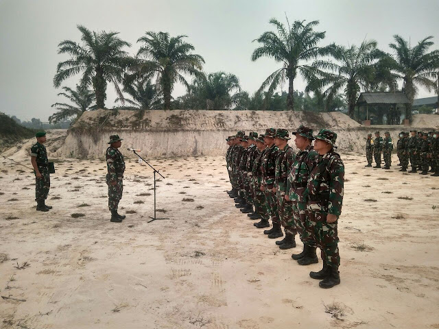 Keprajuritan Korem 031 Wira Bima Laksanakan Latihan Menembak Senjata Ringan