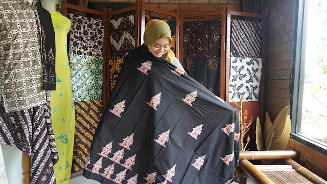 Batik Tulis Motif Candi
