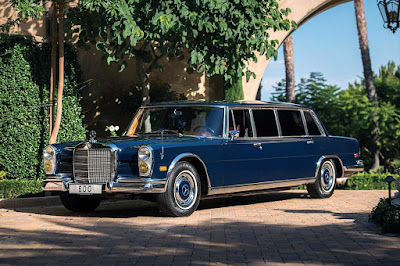 Limusin Mercedes-Benz 600