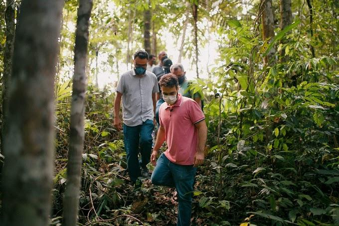 Vinicius Miguel se une com moradores em luta por nascentes de água da Capital