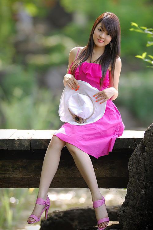 hwang mi hee sexy pink dress 01