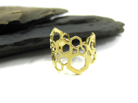 Jewellery, designer, cut out design, hexagons, nuckle ring, minimal, Etsy, ring, accessories, Urban Raven, Shiran Tal Soffrin, independent creations, chic jewelry, goldsmith