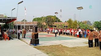 Warga Perum Ekamas Gelar Upacara Bendera HUT RI ke 74