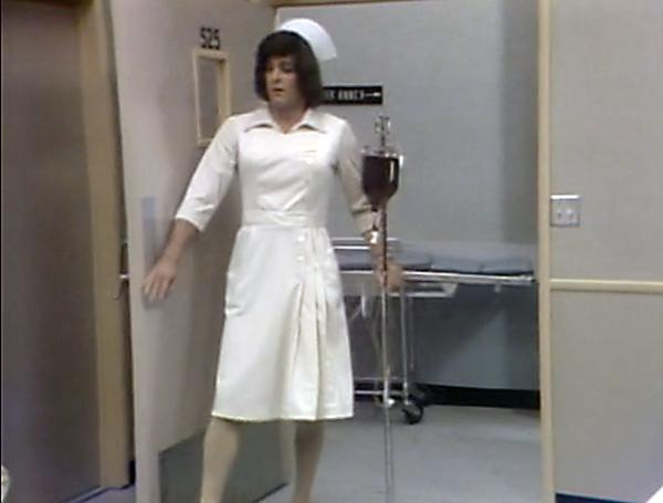 Bob Seagren femulating in a 1977 episode of television's Soap