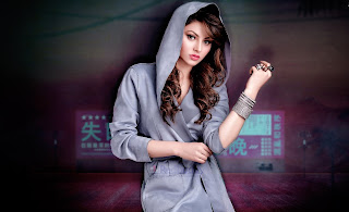 Urvashi-Rautela-Download-HD-Images-High-Quality-Wallpapers-3