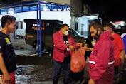 Gubernur Melalui Sat Pol PP Serahkan Bantuan Siap Saji Untuk Warga Manado