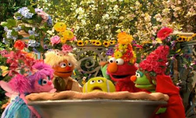 Elmo, Abby Cadabby, Little Red Riding Hood, Hansel and Gretel play a game called Pull Out the Plum. Sesame Street Elmo and Abby's Birthday Fun