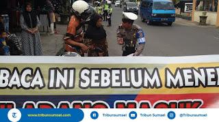 Sudah Dipasang Spanduk Peringatan, Pengendara di Baturaja Ini Nekad Terobos Razia Polisi