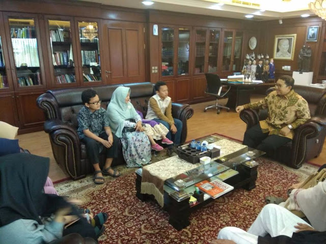 Dizalimi, keluarga Ustadz Al Khaththath temui Wakil Ketua DPR