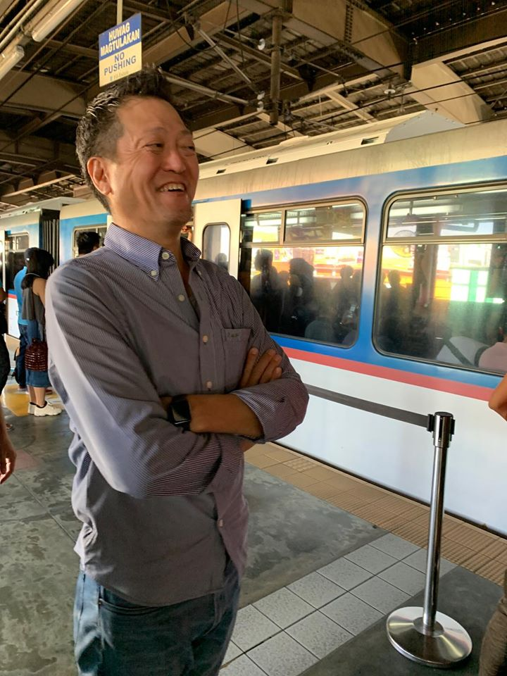 Toyota President rides bus, MRT, UV express, jeep, tricycle to understand commuters