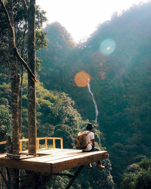 Spot Menara Pandang Di Curug Cibareubeuy