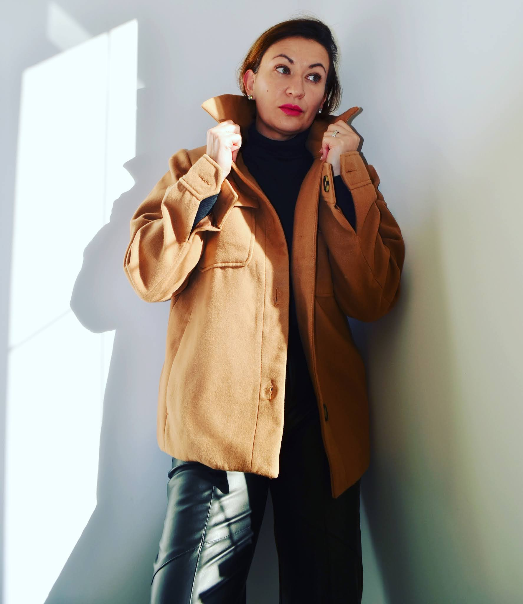 @adrianastyle_stylist,moda;fashion;blog modowy;promocje;obniżki;tydzień wyprzedaży,Bonprix leather trousers,Born2be heavy boots;Bonprix oversized shirt,Zara Heavy Boots,