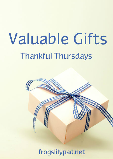 Valuable Gifts a Thankful Thursdays Linkup. I'm sharing a little about Daniel Boone, Davy Crockett and Jedediah Smith who all gave us valuable gifts. l frogslilypad.net
