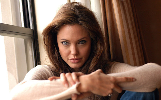 angelina-jolie-actress-hq-wallpaper
