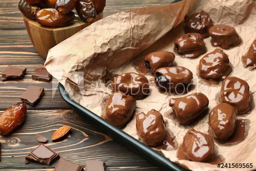 تعرفى على وصفة حلوي التمر بالشوكولاته المميز