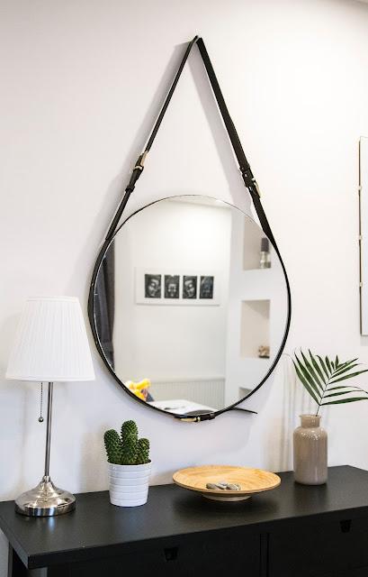 mirror on wall:Photo by Milada Vigerova on Unsplash