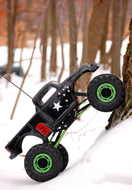 Axial AX10 Scorpion vertical climb