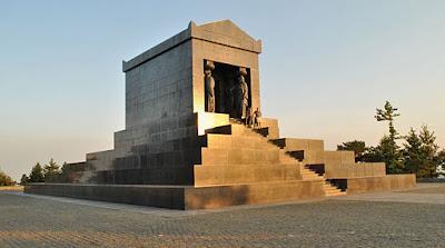 Denkmal des unbekannten Helden