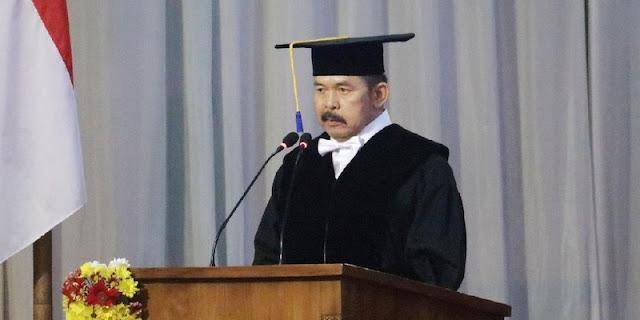 Alumni Universitas Swasta Harus Pede