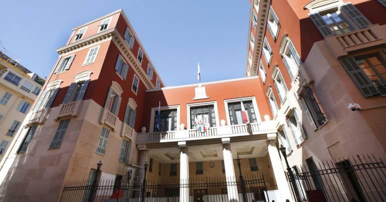 Primaire PS, renoncement d'Éric Ciotti: la municipale niçoise se lance enfin