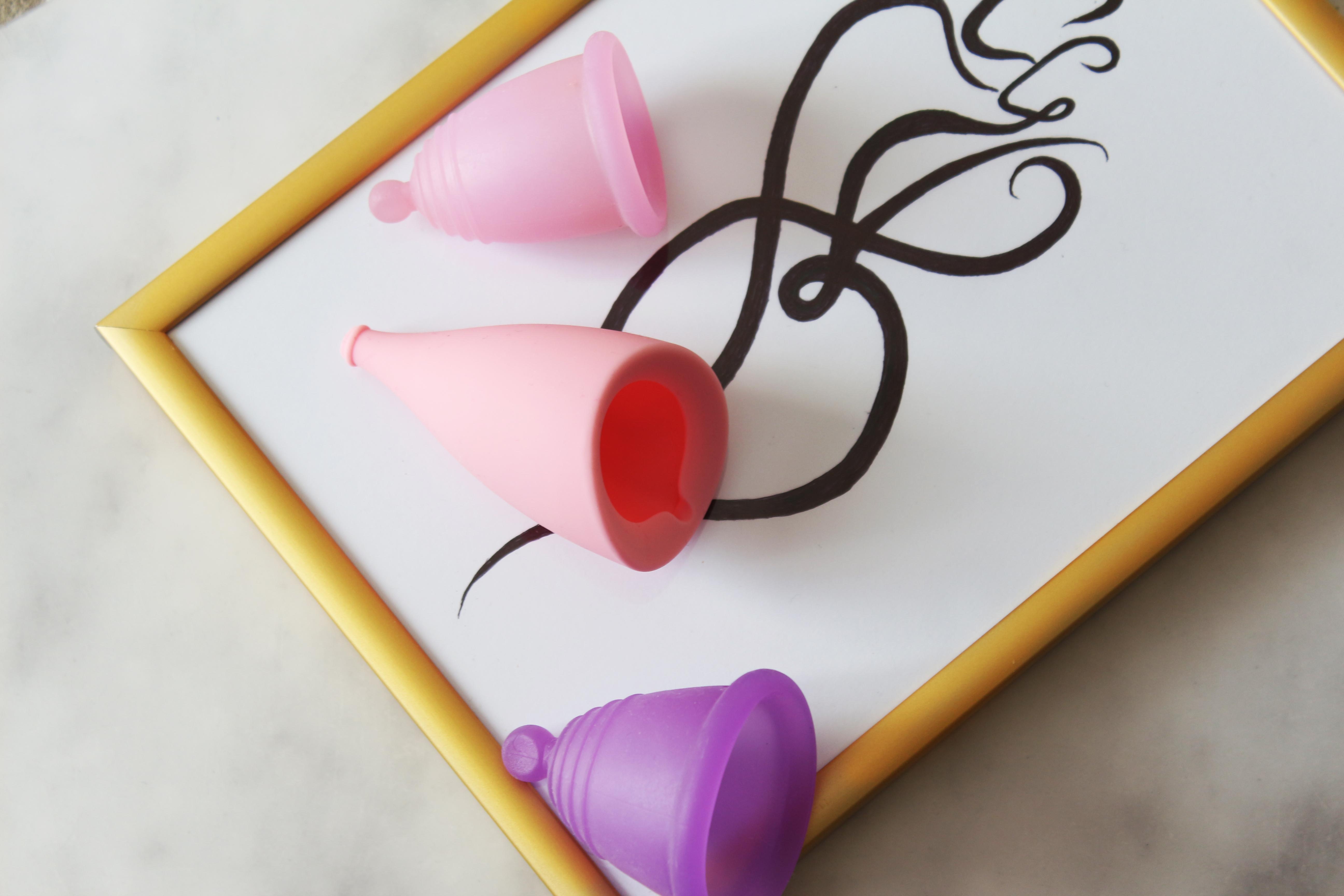 Kubeczek menstruacyjny wady i zalety po roku stosowania | Menstrual cup pros and cons after one year of usage