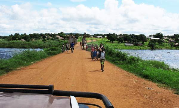Livingstone Man: The Great Hippo Hunt!