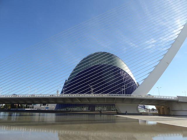 l'agora e il pont de l'Assut de l'Or