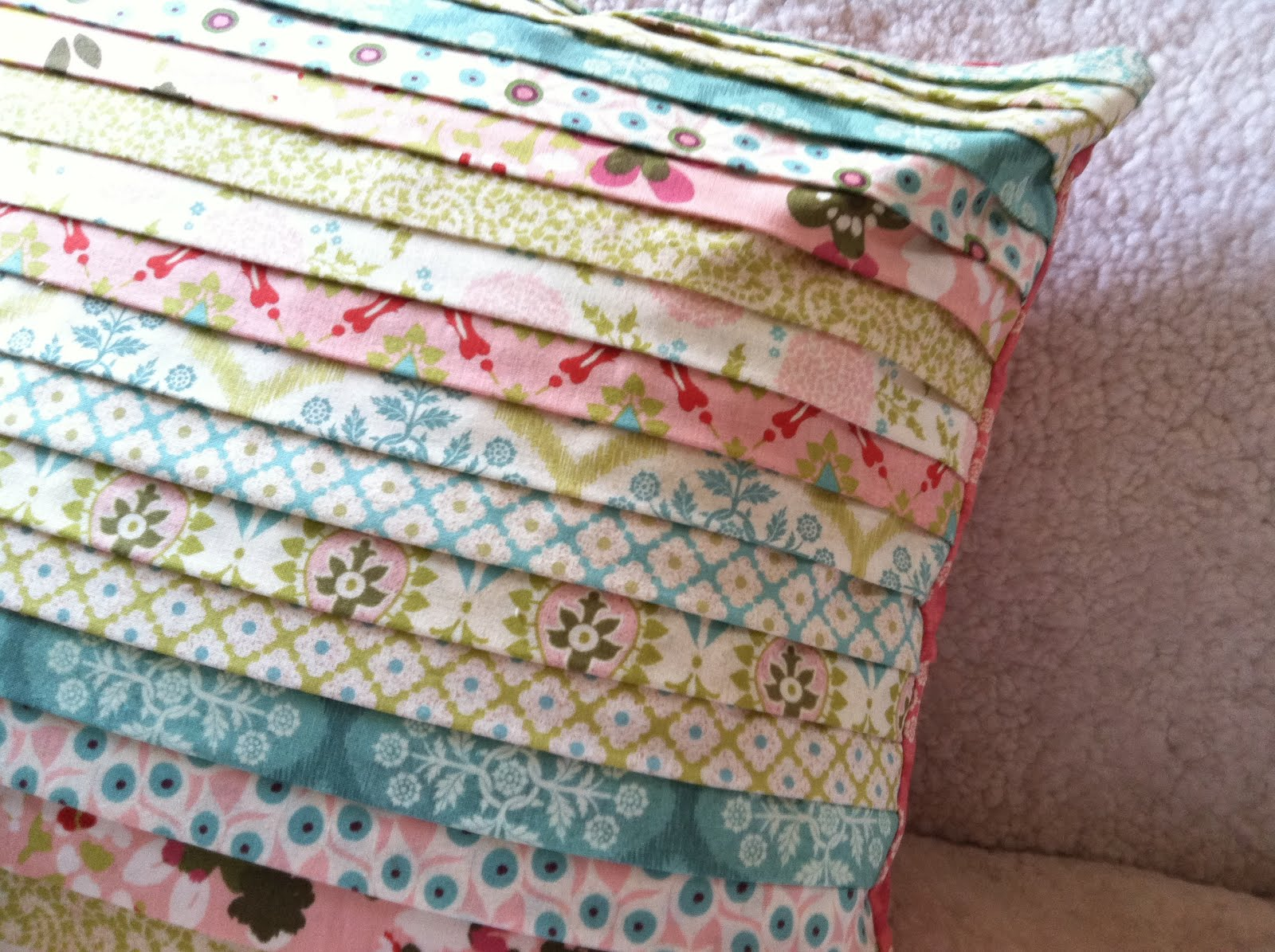 Pillow Collection Una Quilted Pillow