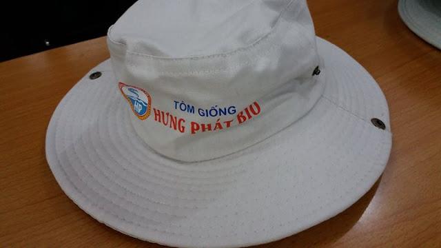 May nón tai bèo số lượng lớn ở Bạc Liêu