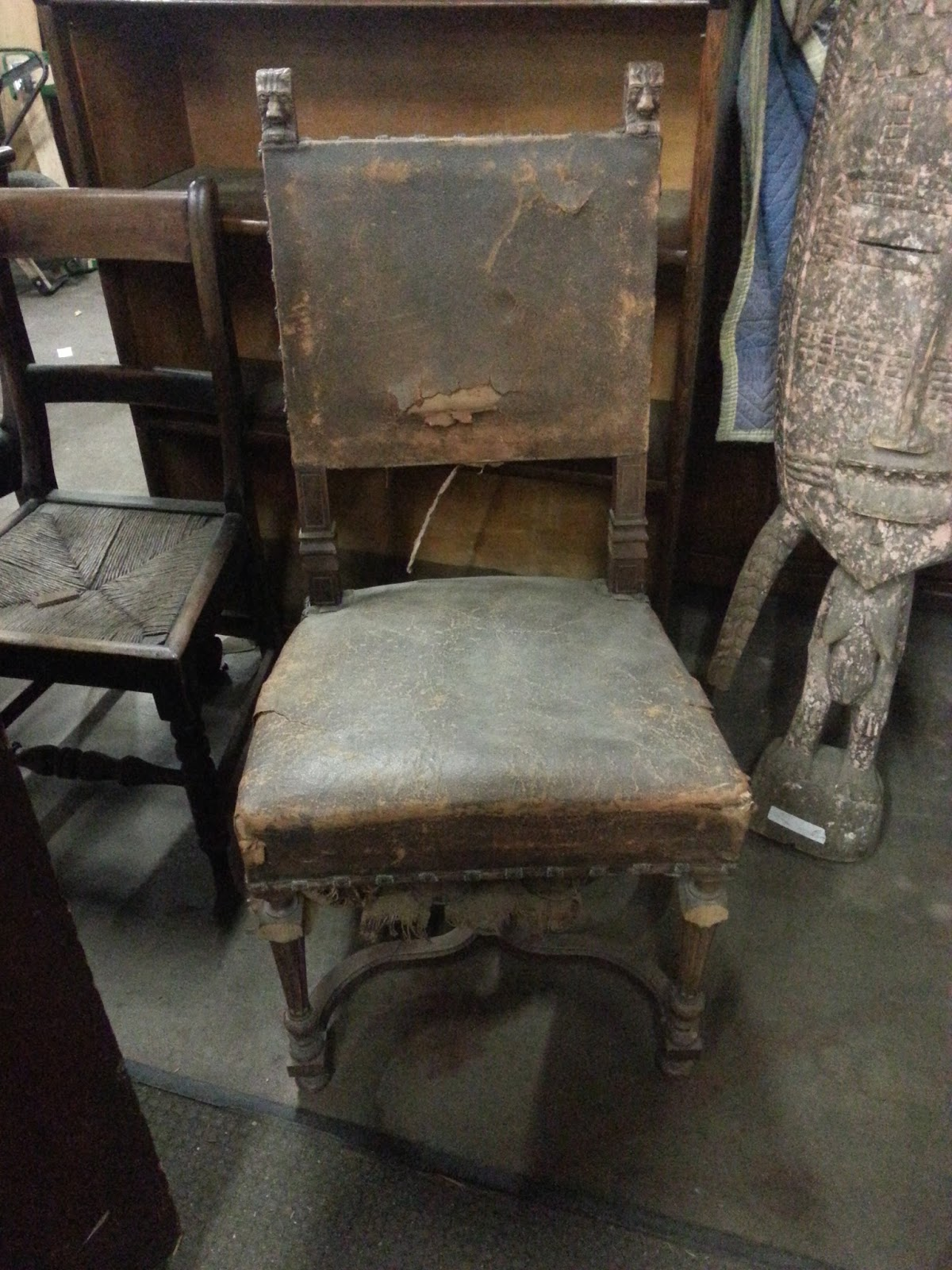 Beautiful Art: Incredible antique chairs, 100 years old