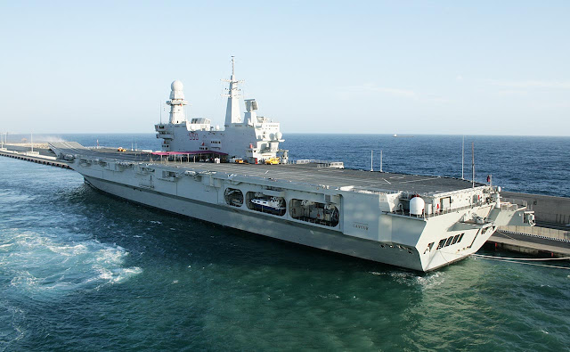 Cavour (550) Aircraft Carrier - Itália