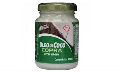 oleo de coco no cabelo