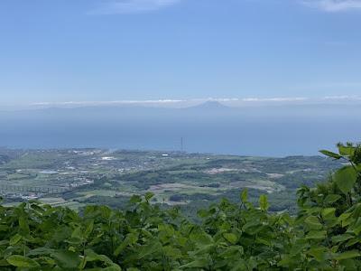 有珠山から見える駒ケ岳
