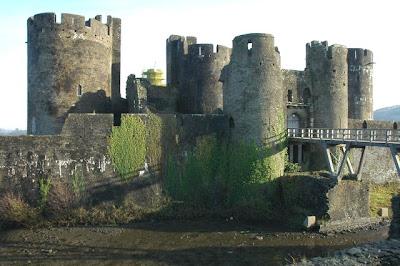 The Helpful Art Teacher Medieval Castles