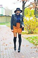http://www.karyn.pl/2016/11/granatowa-koszula-i-ruda-spodnica.html