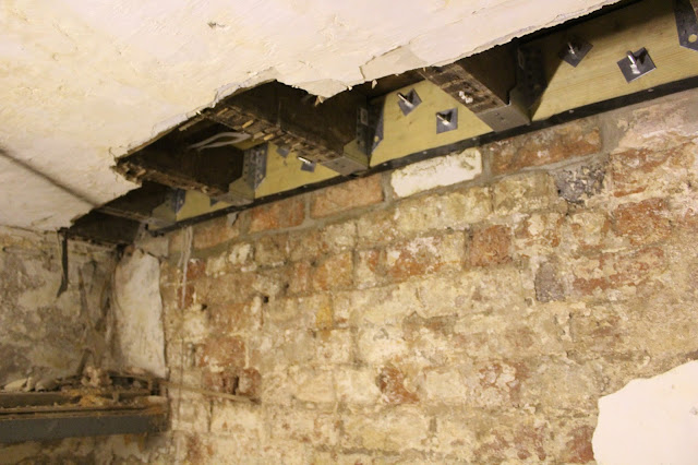 Timber wall plate on victorian joists: rot repair