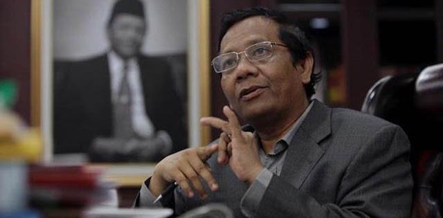 """Terlalu Bersemangat, Menko Mahfud Kesulitan Ucap """"Menyengsarakan Rakyat"""""""