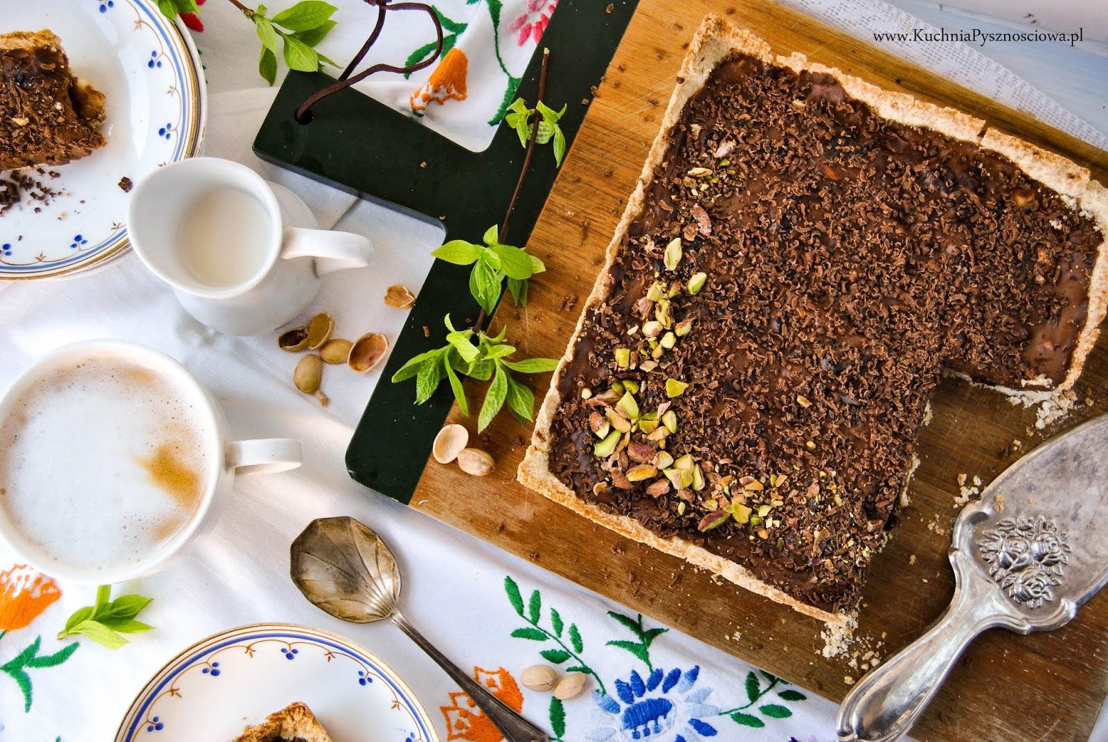 688. Mazurek czekoladowy z chałwą i orzechami