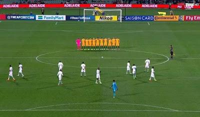 http://www.express.de/sport/fussball/wm-quali-eklat-saudi-kicker-ignorieren-schweigeminute-fuer-londoner-terror-opfer-27761366?originalReferrer=