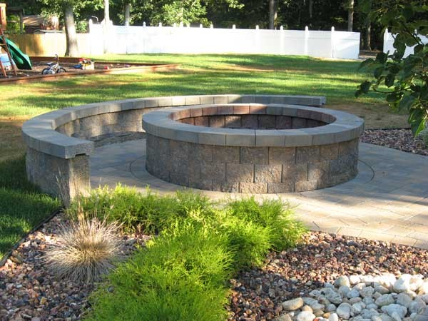 The Allan Block Blog: How do I Calculate the Quantity for a Circular Seating Wall Around a Fire Pit?