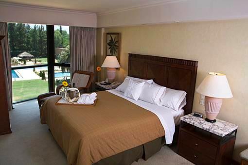 Abdk hoteleria peru sabanas ropa cama sabanas almohadas cobertores - Decoracion habitacion hotel ...